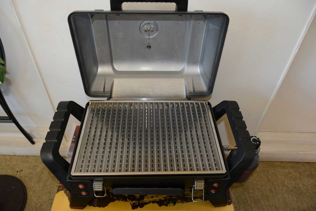Char Broil X 200 Grill2Go